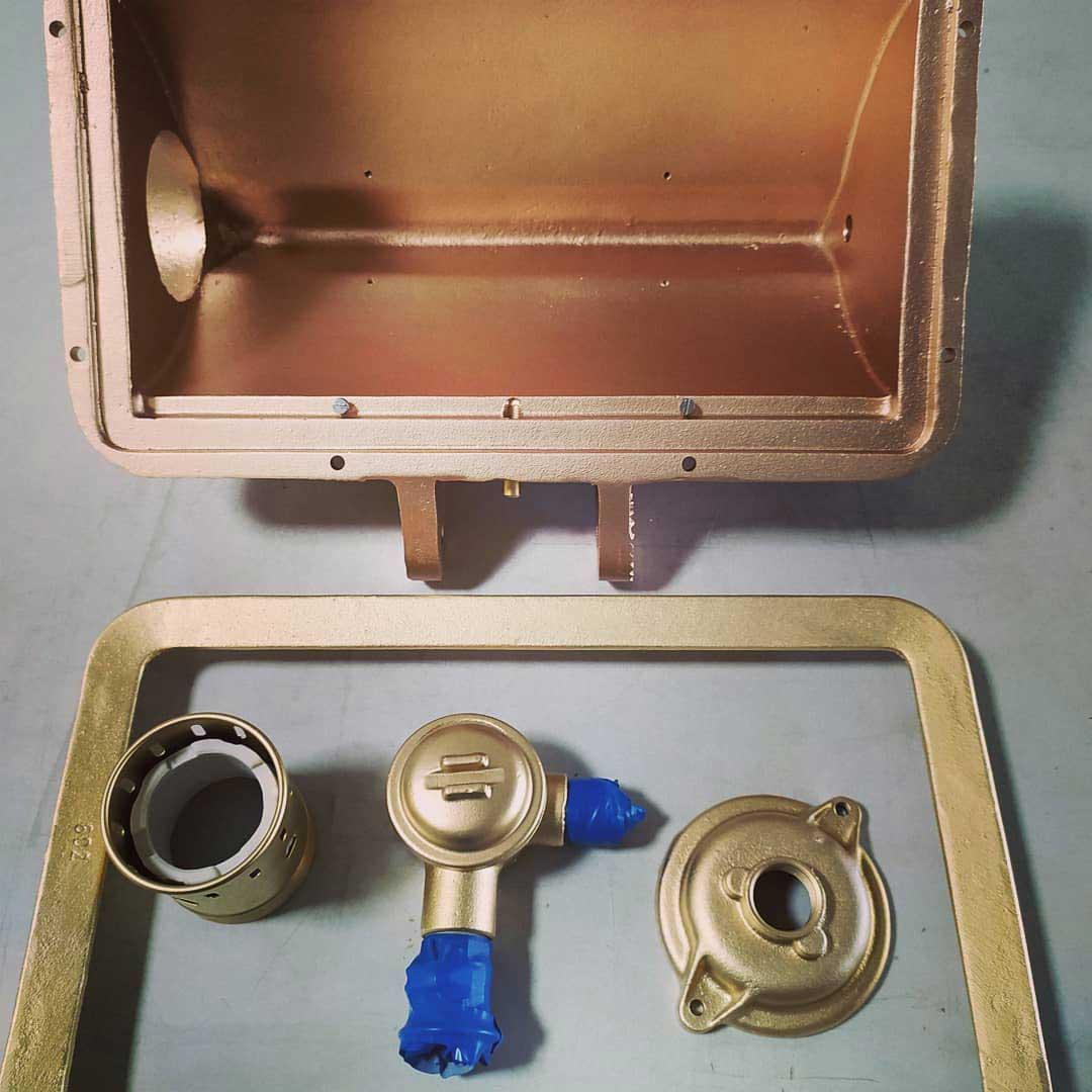 Silikon-Spritzguß-Werkzeug-gereinigt-und-verdichtet-nachher